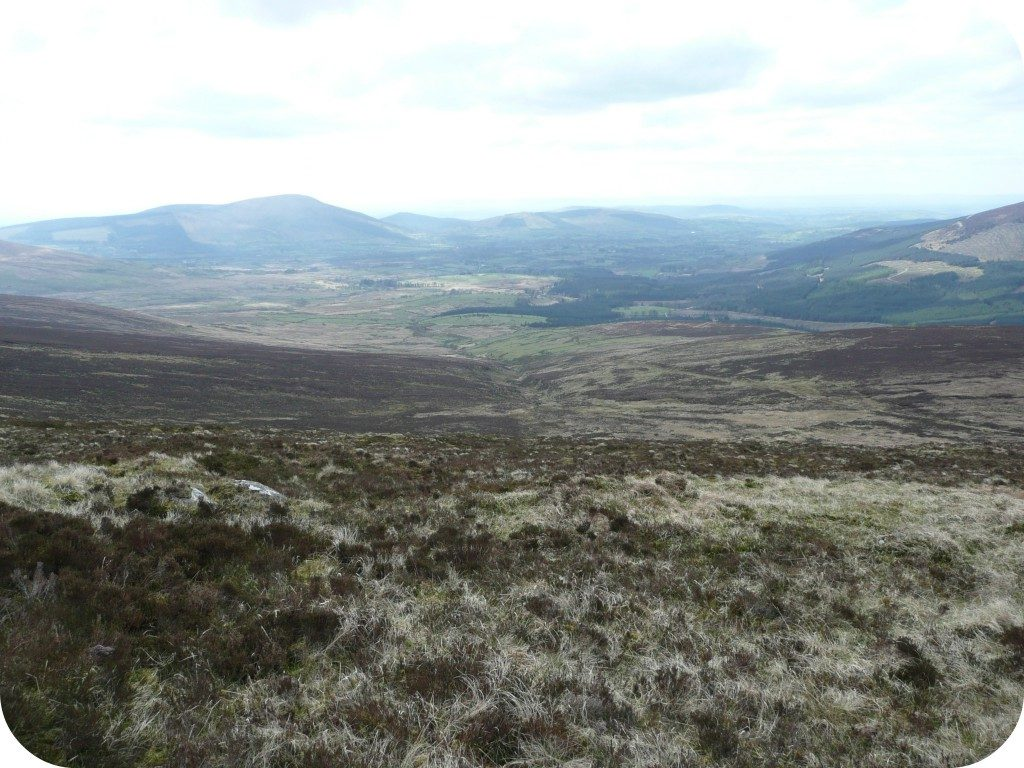 glen_of_imaal_with_black_scar_river_centre_from_stoney_road